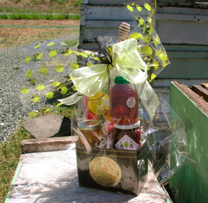 Gift - Honey Gift Basket-Box with Bee Bow